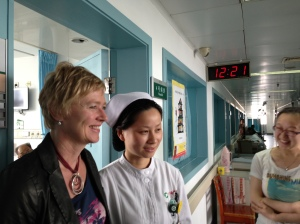 Wuhan Tongji hospital: Esther with nursing colleagues (Fengling Zhang is on the far right)