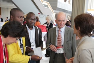 Memorable moments in coffee breaks: delegates from Cameroon and France talking to plenary speaker, Prof René Schaerer, and Amelia Giordano from EAPC head office