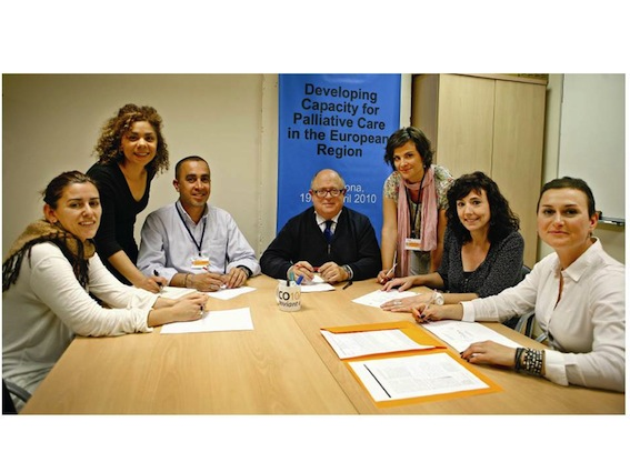 The interdisciplinary team: (left to right) Cristina Lasmarías, Sara Ela, Jose Espinosa, Xavier Gómez Batiste, Elba Beas, Dolors Mateo and Marisa Martínez