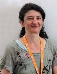 Dr Bella Vivat
