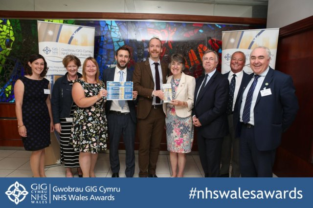 NHS Wales Award – Dr Mark Taubert (5th from left) with Baroness Dr Ilora Finlay and colleagues