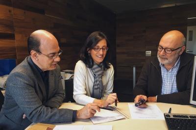 Dr Albert Balaguer (left), Dr Cristina Monforte-Royo (centre) and Dr Josep Porta-Sales (right)